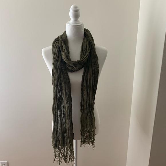 eskandar Accessories - Eskandar 100% linen crinkle scarf in forest